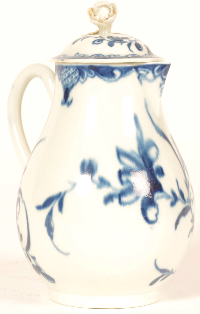 Worcester 18th century porcelain cream pitcher with lid — Verseuse porcelaine de Worcester 18ieme