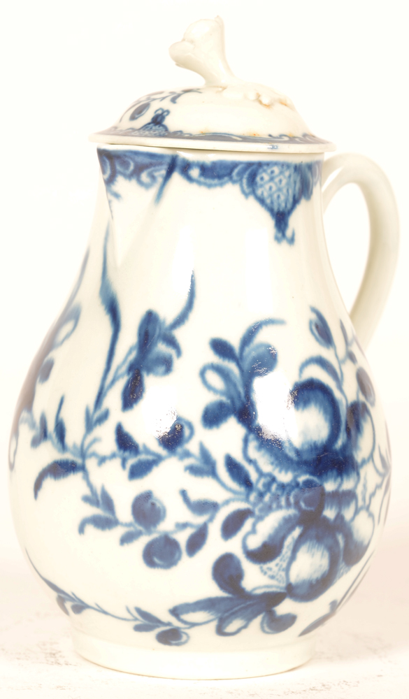 Worcester 18th century porcelain cream pitcher with lid — Dr. Wall creamer the Mansfield pattern, front view