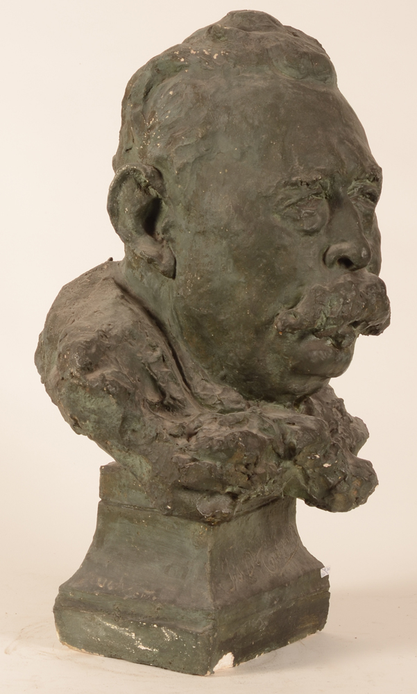 Alberic Ysabie — Right profile of the bust of Fr. De Coninck