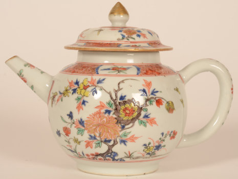 Chinese porcelain 18th century teapot