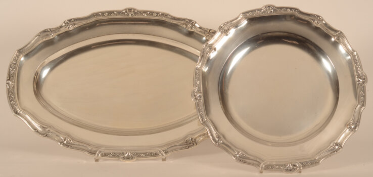 Delheid Frères a silver oval and round serving dishes