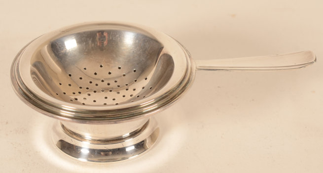 Wolfers Frères silver tea strainer