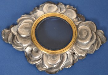 Decorative silver cloud frame