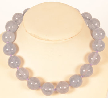 1930s lavender necklace
