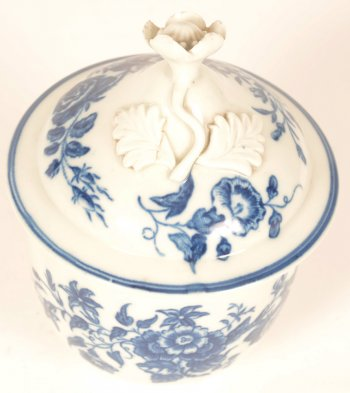 Worcester porcelain 18th century sugar bowl